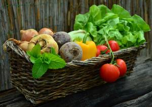 Magnesium findes i størst mængde alle grøntsager samt i frugt, nødder og kerner.